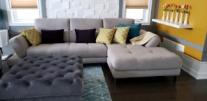 Like new sectional couch from Mobilia
