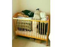Child baby cot bed like new