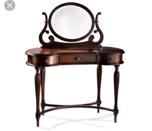 Bombay wood makeup vanity table and pouf chair
