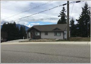 3161 Okanagan Ave - Best View in Town + Basement Suite