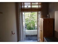 Studio To Rent With Access To Garden