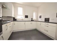 3 bedroom upper cottage flat, garden, quiet street, near Bishopbriggs Cross