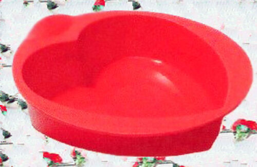New Tupperware Silicone Baking Form Heart Shape RED