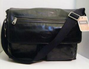 92ac2447ab39 Fossil Black Messenger Bag