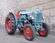 Schmalspur Traktor