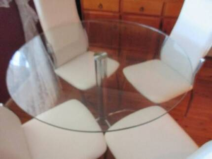 Modern Modular Glass and Chrome Round Dining Table 4x Chairs