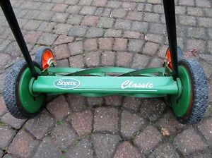 SCOTT'S CLASSIC REEL MOWER with rear tracking wheels for easy ma Stratford Kitchener Area image 5