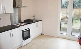 Spacious bright and airy double room in a Victorian house share