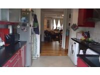 BEAUTIFUL 3 BEDROOM HOUSE WITH LARGE GARDEN IN CANNING TOWN FOR £1650PCM