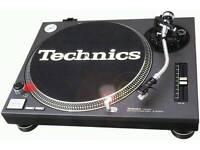 Wanted Technics 1210's or similar