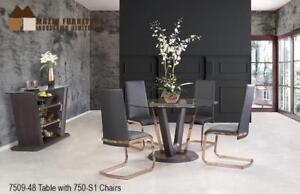 Table with 4 black leatherette chairs (MA293)