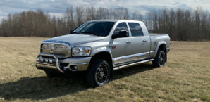 Selling a great shape Dodge ram mega cab diesel 2500