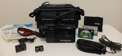 SONY CCD-V30E Handycam Video 8 Camera Recorder with Accessories and Manuals., usado segunda mano  Embacar hacia Argentina