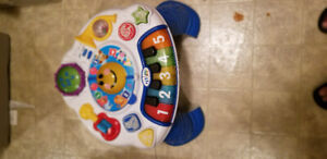 Baby einstein discoverying music table