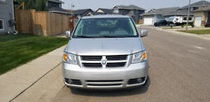 2009 Dodge Grand Caravan STOW AND GO!
