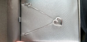 Peoples diamond heart necklace