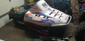 1994 polaris xcr 600 tripple  runs and drives mint!!!