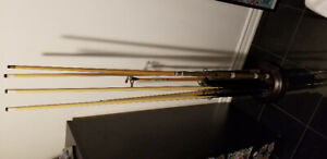 Selling cue rack for pool sticks with five pool sticks