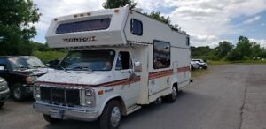 1985 Motor Home, Excellent Condition!