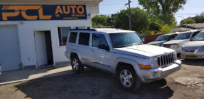 2010 JEEP COMMANDER SPORT! 4X4 ! 7 SEATS ! TOW HITCH