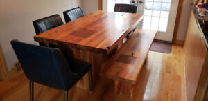 Beautiful oak table with bench!