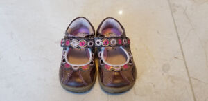 Girls Striderite Shoes Size 4 Toddler