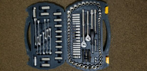 Mastercraft tool kit 166 pieces