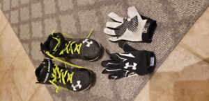 Boys football cleats and gloves - Youth size 5