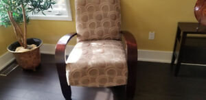 Accent chair with wood arm