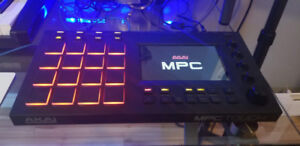 AKAI MPC TOUCH *****MINT CONDITION LIKE NEW *****