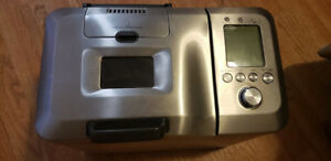 Like New Breville Breadmaker