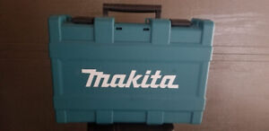 MAKITA 18V 5.0 Ah Li-Ion Brushless Cordless Hammer Drill and Imp