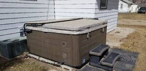 2017  Hot Tub For Sale