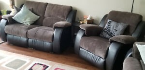 Beautiful 3 piece couch set