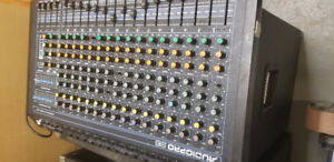 Yorkville audiopro S16 mixing board
