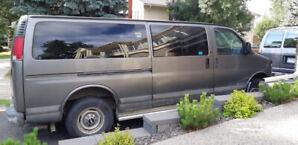 2000 Chevrolet 3500 Express Van