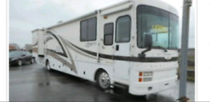2001 Fleetwood Discovery 38 Pieds