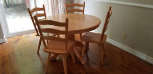 Kitchen table 4 chairs