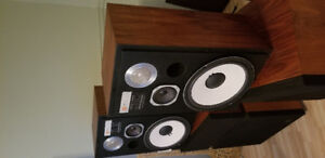 Jbl l 112 mint with  boxes and manuals .