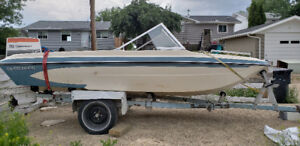 15' Glastron open bow boat
