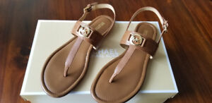 Michael Kors Trudy Thong Sandal size 8 Brand New In Box