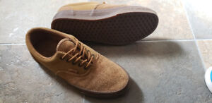 VANS, Suede Men's Size 8, Like New