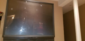 Hitachi 60UX57B 60-Inch Ultravision Projection TV