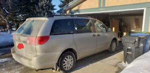 Clean 2006 Toyota Sienna, Low kms 7000 OBO