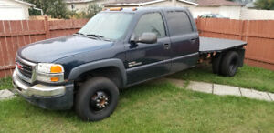 2005 GMC 3500 crew cab dually 4x4