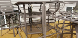 4 Garden Chairs+ table  on sale , Must go !!!