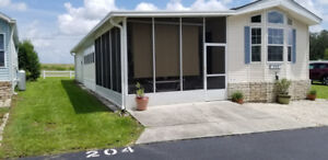 FLORDIA, LARGE HIGH QUALITY MOBILE HOME OVER 1000 SQ.FEET.