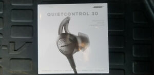 Bose QUIETCONTROL 30 NOISE CANCELLATION HEADPHONES NEW