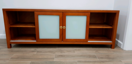 tasmanian oak entertainment unit urgent sale