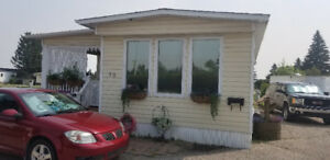 Immaculate Expanded Mobile Home - Delivery Included in AB